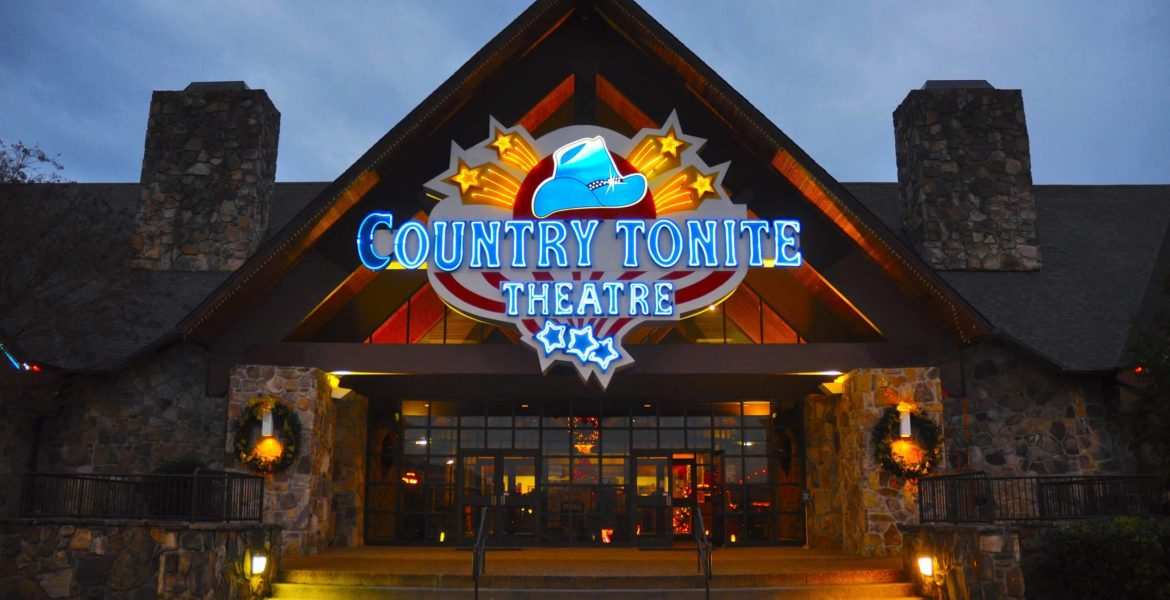 3 Reasons to Include Our Pigeon Forge Music Shows in Your Family Vacation
