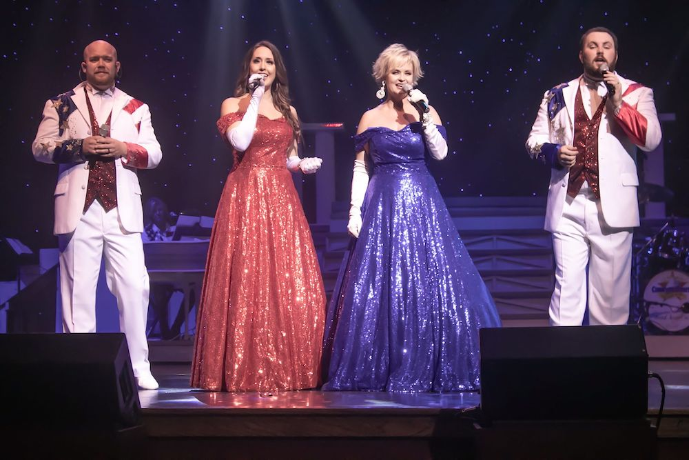 5 Reasons Our Show in Pigeon Forge TN Should Be On Your Vacation Itinerary