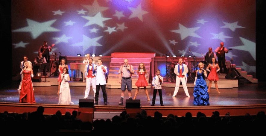 4 Reasons Our Pigeon Forge Show is Great for Student Groups