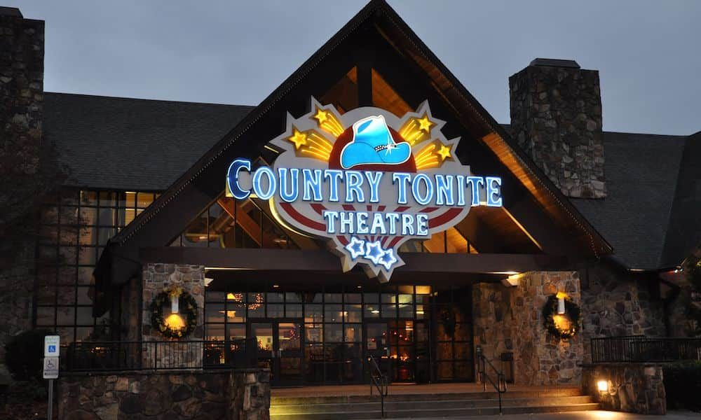 4 Reasons You Don't Need to Be a Country Music Fan to Enjoy Our Pigeon Forge Show
