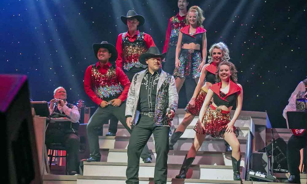 Top 5 Reasons Couples Love Spending an Evening at Our Pigeon Forge Show