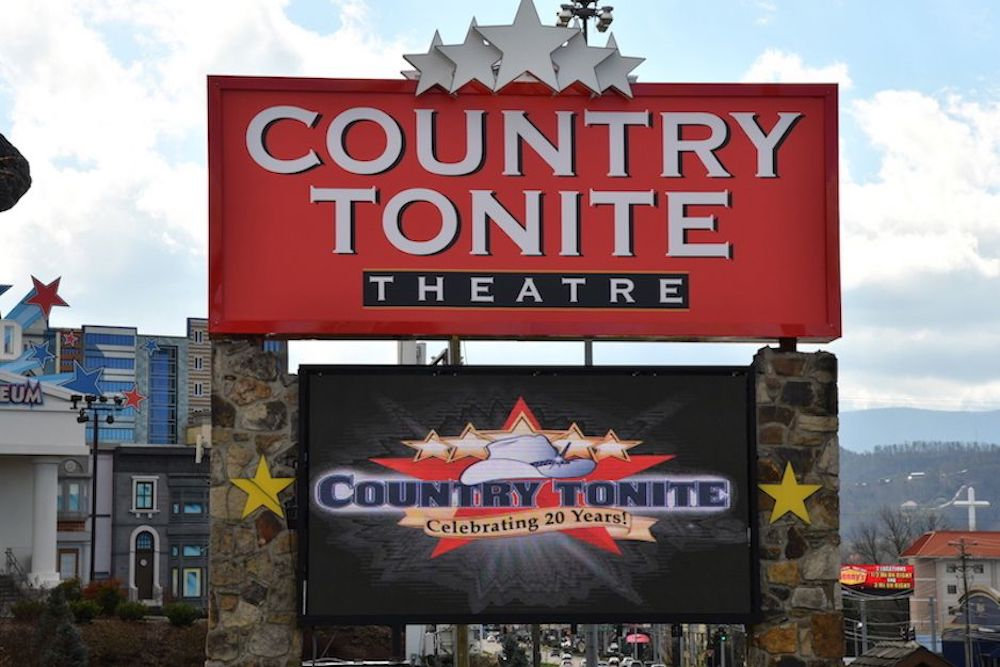 Top 4 Reasons Our Country Music Shows in Pigeon Forge Are Perfect for a Date Night